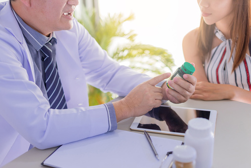 medicaments-biosimilaires-maladie-de-verneuil-resoverneuil